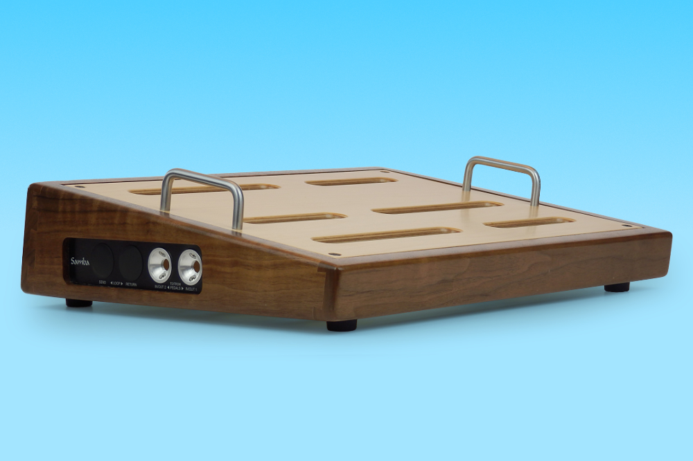 Alternate angle of SP-131 pedalboard in walnut
